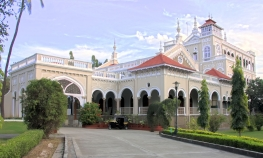 Private Sightseeing tour of Pune City.