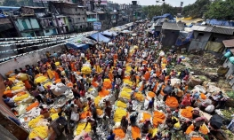 Kolkata - Flower market half day tour