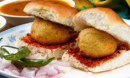 Pune Food Safari - a delicious walking tour.