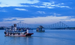 Kolkata - Offbeat Calcutta tour with Boat ride