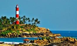 Chennai: Marina Light House Heritage Walk