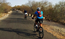 Cycling tour of Pune University complex